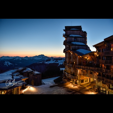 Photo of a sunset seen from the Amara residence in Avoriaz, by Christine Haas